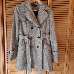 Suzy Shier Beige and Ivory Peacoat